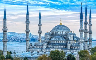 Mengenal Masjid Biru, Bangunan Paling Ikonik di Istanbul Turki