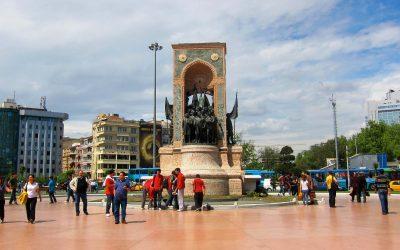 Menyusuri Istiklal Street & Taskim Square di Turki