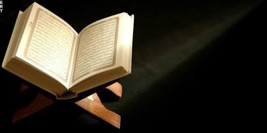 RAMADHAN BULAN DITURUNKANNYA AL-QUR'AN